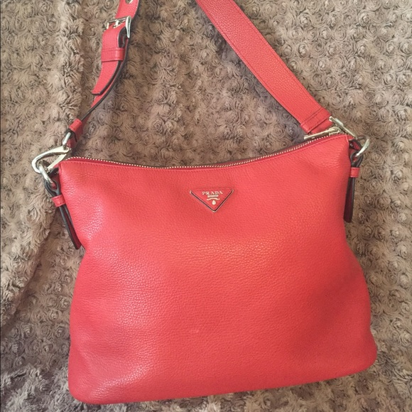 5d95b12bccab ... good authentic red prada vitello daino leather hobo bag 4f121 5e720